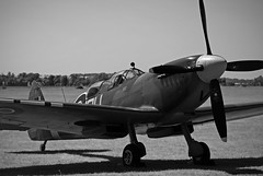 The Grace Spitfire... (mickb6265) Tags: ml407 ouv nickgrace thegracespitfire carolyngrace airleasing supermarinespitfiremkixt flyingofficerjonniehoulton