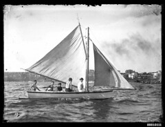 18 footer on Sydney Harbour (Australian National Maritime Museum on The Commons) Tags: sailboat boats harbor boat sailing harbour sails sailors australia sail sailor sailingboat sailingvessel harbourscenes williamhall williamjhall williamhallcollection williamjhallcollection