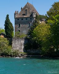 Chteau d'Yvoire (Didier Mouchet) Tags: france castle monument landscape tour lac bleu ciel chateau paysage schloss lman chteau  hautesavoie lakeofgeneva  laclman yvoire  donjon chablais  d5300 nikond5300 didiermouchet