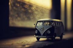 Homeward (Davide Solurghi Photography) Tags: morning sunset stilllife sunrise studio toys miniature tramonto day alba indoor pullman inside welly minibus toycars naturemorte carphotography mattina mattino naturamorta giorno pomeriggio modellino tinycars davidesolurghi davidesolurghiphotography toysphotographyautobus
