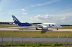 Lan Chile Boeing 787-9 10-06-16 (jose.rperez67) Tags: frankfurt lanchile rheinmain dreamliner boeing787