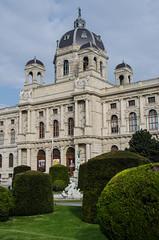Kunsthistorisches Museum entrance (scottgunn) Tags: vienna wien austria sterreich kunsthistorischesmuseum