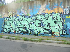 152 (en-ri) Tags: reser tots crew verde acqua arrow torino wall muro graffiti writing