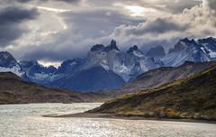Vista a los Cuernos del Paine (Andrs Photos 2) Tags: chile patagonia torresdelpaine magallanes sudamerica cielos sky pampa nubes cloud