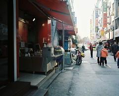 ... (june1777) Tags: street mamiya kodak n 7 snap seoul f4 67 gpx 160 65mm mamiya7 ektacolor gaepodong