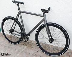 la collaboration Leader bike x Pedal Consumption. (fixie-factory) Tags: wood face phil son formation h thomson fixedgear sram kagero pignonfixe pedalconsumption leaderbikekagero