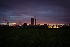 How not to get to the Kemira plant (Rob Pitt) Tags: sunset plant glow smoke fertilizer kemira