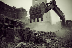 Florence and the machine (_wysiwyg_) Tags: blackandwhite cinema concrete noiretblanc destruction ruin machine ruine dtruire pulldown childhoodmemories bton dmolition maubeuge leparis abattre dmolir gravas souvenirsdenfance dmanteler