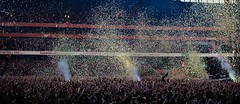 Coldplay - The Chris Martin Bend (MariaAndronic) Tags: chris guy london june tour place martin coldplay stadium live 4 champion 4th confetti emirates will jonny mx buckland mylo 2012 berryman 040612 xyloto