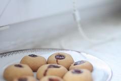 K. (zaskyline) Tags: food cookies canon jam windowsill kinga 450d canon450d
