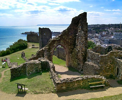Hastings Castle (Beardy Vulcan) Tags: sea summer england castle history sussex coast pier seaside ruin july norman resort hastings 2008 englishchannel headland hastingscastle 1066country