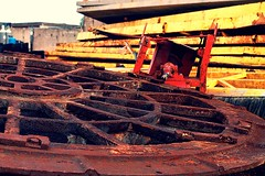 _MG_1494 (Tiago Silva 89) Tags: yellow yard photoshop canon 50mm sand junk rust rusty junkyard rost kontrast surrounded ecke rostig schrottplatz