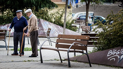 Llefi Dads (Dmitri Mangiagalli) Tags: park espaa public senior bench spain elderly graffitti citizens pensioners badalona llefi