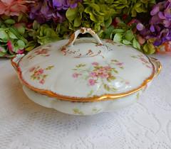 Vintage Limoges Porcelain Covered Serving Bowl ~ Roses ~ Gold (Donna's Collectables) Tags: roses vintage gold bowl covered porcelain serving ~ limoges