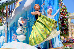 Festival Of Fantasy Parade (disneylori) Tags: anna frozen princess disney parade disneyworld characters wdw waltdisneyworld elsa magickingdom disneyprincess disneycharacters disneyparade disneyworldparade facecharacters waltdisneyworldparade festivaloffantasyparade