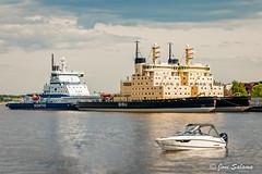 On summer vacation (Joni Salama) Tags: sea suomi finland helsinki fi meri vesi icebreaker vene katajanokka uusimaa jnmurtaja laiva moottorivene