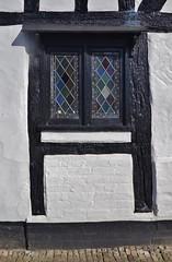 Interesting window (dlanor smada) Tags: windows halftimbered thame oxfordshire blackwhite