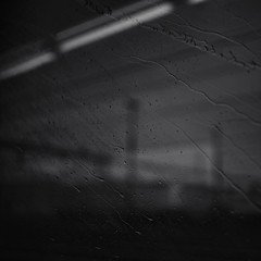 rrrrrrrain (Toni_V) Tags: bw monochrome rain train square schweiz switzerland blackwhite dof bokeh rangefinder sbb raindrops mp schwarzweiss regen ffs 2016 cff sep2 summiluxm leicam niksoftware 35lux messsucher 160625 silverefexpro2 35mmf14asphfle typ240 m2400439 toniv