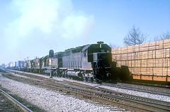 SBD SD45-2 3611 (Chuck Zeiler) Tags: railroad train locomotive cowan sbd chz crr emd seaboard 3611 sd452 clinchfield