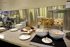Snacks in the buffet (A. Wee) Tags: toronto canada airport lounge snack mapleleaf buffet yyz aircanada