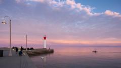Dusk falls on Lake Ontario (Gavin Edmondstone) Tags: lighthouse ontario dusk lakeontario oakville bronte brontecreek cans2s