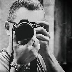 IMGP3025e (maurizio siani) Tags: italy man primavera fashion persona photography reflex italia estate pentax piano mani uomo primo napoli naples giugno bianco macchina nero dita bellezza artista autoscatto maurizio fotografo ragazzo selfie fotografica siani 2016 modello fascino monocromatico monocromatica k30 fotografarsi