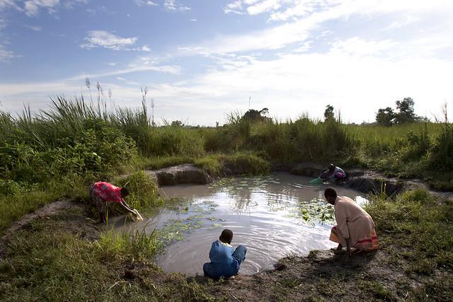 africa-uganda-water-pond