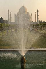 Taj Mahal (Bertrand de Camaret) Tags: voyage travel india art monument vertical architecture asia agra asie marble fontaine inde marbre uttarpradesh earthasia bertranddecamaret