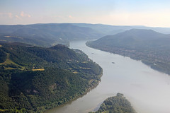 The Visegrad castle from the air 13 (Romeodesign) Tags: above castle river hungary bend citadel flight aerial duna danube donau visegrd visegrad 550d