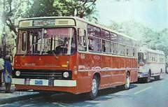 Omnibus Giron-XIII (Ikarus) # 316 HV-7375 Ruta-162 y Omnibus Hino RC300 (Adrian (Guaguas de Cuba)) Tags: bus volvo gm havana cuba habana hino omnibus guagua giron oldbus ikarus americanbus japanbus omnibusnacionales