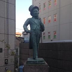 美空ひばり像 Hibari Misora statue