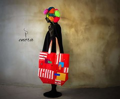 ESSERE IL MANICHINO DELLA PROPRIA CREATIVITÀ. .❤ #creativiness #colors #bodypainting #totebag #bag #enora #dipendenza #painting #black #mannequin #patch #handmade #sagoma#photography #art #leather #sewing #wool #buttons #colors #style #patchwork #su (enorabag) Tags: red summer white black art wool mannequin colors leather fashion painting bag photography handmade buttons sewing colorphotography style fabric bodypainting patch patchwork righe totebag dipendenza artphotography sagoma enora creativiness