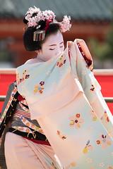(byzanceblue) Tags: cute girl beauty japan female japanese dance kyoto bokeh maiko geiko geisha    kimono gion marika   kanzashi      colior
