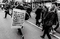 vie de merde (Patrice Dx) Tags: bruxelles pancarte manifestation manifestants syndicats