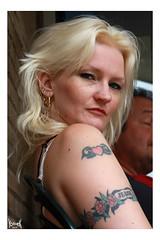 My Muse says: beat it (YobeK) Tags: mijnmuze mymuse blonde eyesblue stoer strong foxylady yobekakajohankuhlemeier lekker nice