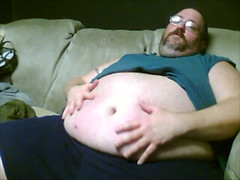 Snapshot 2 (3/2012 4-46 PM) (Big Bub KY) Tags: beer gut fat chub beerbelly tubby blubber beergut superchub