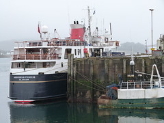 Hebridean Princess (Mrtainn) Tags: bag lumix boot scotland boat highlands barca barco alba escocia panasonic bateau alban szkocja bt esccia schottland btur bote westerross vene schotland d ecosse lochalsh scozia txalupa paat fanas skottland rossshire cwch laiva skotlanti skotland kyleoflochalsh bd kayk bd ladja  broskos varca balca caollochaillse csnak hebrideanprincess  valtis esccia skcia  albain brka bta iskoya   lun barc lochaillse  gidhealtachd taobhsiarrois siorramachdrois llancha scoia  battellu fz48 dmcfz48 panasonicfz48 panasonicdmcfz48 skath