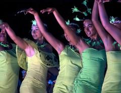 Tapati Rapa Nui 2012 (Marcelo Collao Miranda) Tags: chile travel summer color art water girl beauty face festival photography dance mujer nikon arte carnaval turismo easterisland isla vacaciones cultura belleza 2012 polinesia isladepascua tepitootehenua naveloftheworld etnico d90 womanbeauty nikond90 tapatirapanui prttrait