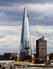 The Shard, nearly built - London (chrisjohnbeckett) Tags: roof building london architecture modern londonbridge point crane explore shard londonskyline londonist canonef24105mmf4lisusm chrisbeckett theshard onenewchange