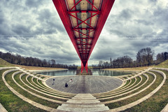 \ Shooting Under The Red Bridge / (Etienne Louis | Photographie) Tags: bridge red france canon rouge photography photo photographie fisheye axe pont shooting session amphitheater 8mm hdr photographe séance amphithéâtre cergy majeur photomatix pontoise samyang 450d etilou