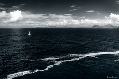 Voguer vers de nouveaux horizons / Sailing off to new horizons (YS-Photography) Tags: bateau publication paysagesmarins