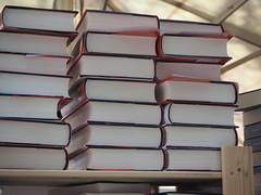 Diada de Sant Jordi 2016 (tgrauros) Tags: barcelona books catalunya libros livres llibres diadadesantjordi
