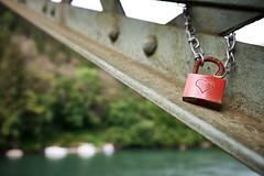 one more chained heart... (f/.M) Tags: bridge red rot sign 1 dof heart depthoffield diagonal fujifilm brcke schloss padlock herz zeichen kette classicchrome x100t