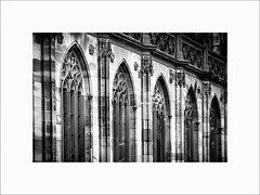 Arches #1 (Guillaume et Anne) Tags: street city bw france canon noiretblanc nb strasbourg cathdrale alsace f2 135 eglise 135mm 6d 135mmf2 ef135