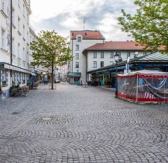 Munich without people - Viktualienmarkt #munich... (munichz) Tags: canon munich bayern bavaria nopeople m muc viktualienmarkt canonphotos canonphotography withoutpeople insidemunich igersgermany igersmunich uploaded:by=flickstagram canonofficial visitmunich instagram:venuename=munich2cgermany instagram:venue=213359469 deinbayern instamunich igbayern instagram:photo=122590780773225550032169241