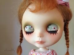 Dot's eyelids