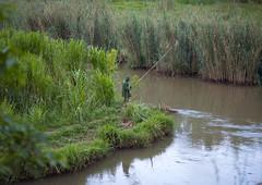 Road to Rehengeri - Rwanda (Eric Lafforgue) Tags: africa water outdoors fisherman eau rwanda afrika pecheur commonwealth afrique eastafrica centralafrica 9151 kinyarwanda ruanda afriquecentrale רואנדה 卢旺达 르완다 盧安達 republicofrwanda руанда رواندا ruandesa