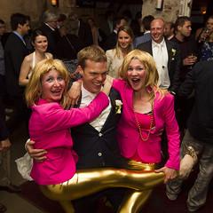 Tim en Marieke trouwen (webted) Tags: amsterdam tim marieke huwelijk nichten roze trouwen goud pruik trouwdag frankendael vreemd