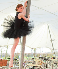 IMG_3322_p (Claude Schneider) Tags: ballerina ballet cambridge cambridgeballerinaproject dance dancer suzie fountain water sunsetballerinaballetcambridgecambridgeballerinaprojectdancedancer