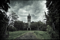 Bela Lugosi's Dead (Midnight - digital) Tags: castle abandoned hammer forest dark scary gothic atmosphere creepy spooky urbanexploration mysterious miranda neogothic chateau drama decayed noisy ue urbex derelicted